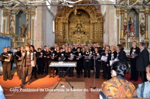 """Encontro de Cantares ao Deus Menino"" na Igreja Matriz de Arrentela  04 Jan 2015"